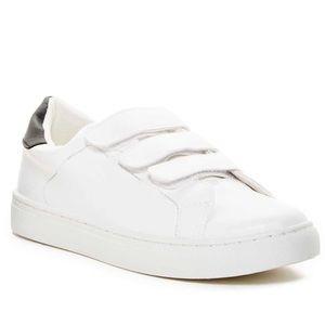 NIB Esprit Velcro Sneakers